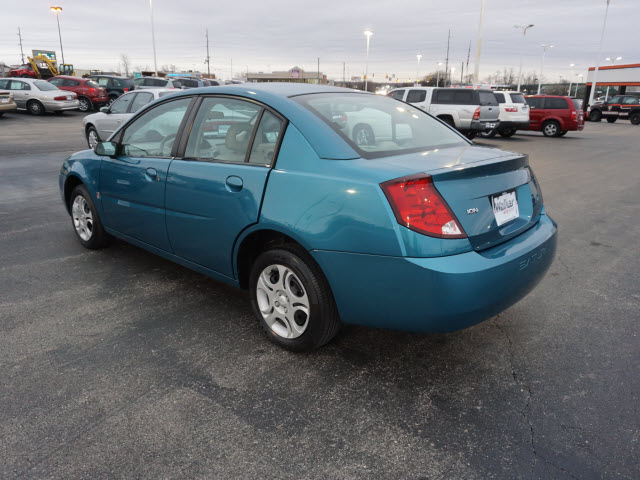 Pre-Owned 2005 Saturn ION 2